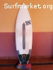 Se vende tabla surf 5.8 epoxy StinkyTofu
